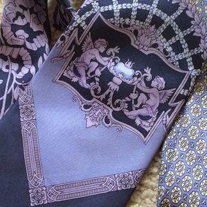 Gianni Versace Purple/Navy Baroque tie.